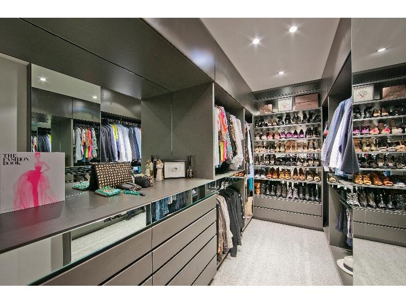 Real Estate South Perth wardrobe