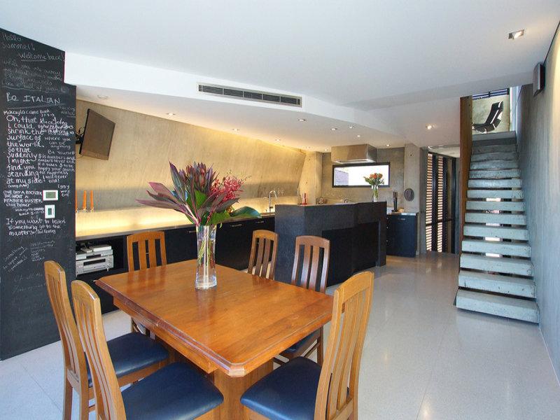 d-e Real Estate 219 Brisbane St North Perth dining