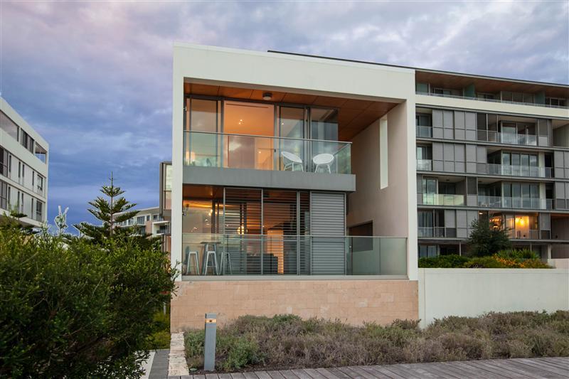 design-estate real estate North Coogee 1
