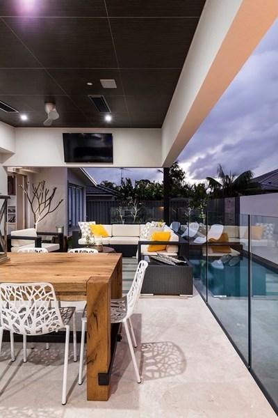 design-estate real estate Menora 13