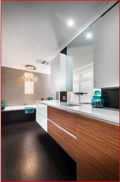 design-estate real estate Menora 22