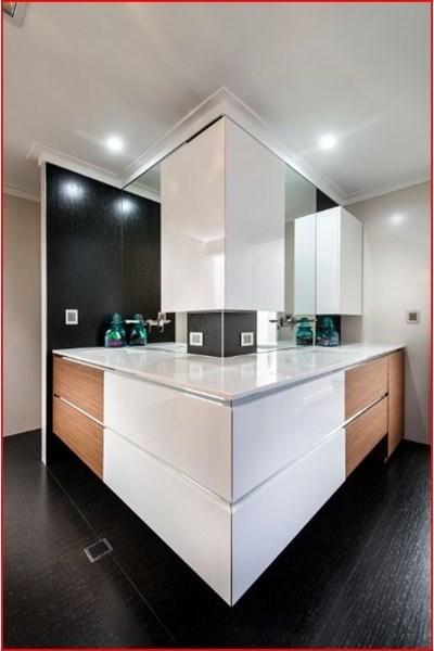 design-estate real estate Menora 23
