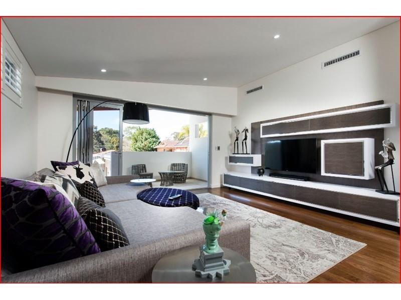 design-estate real estate Menora 24