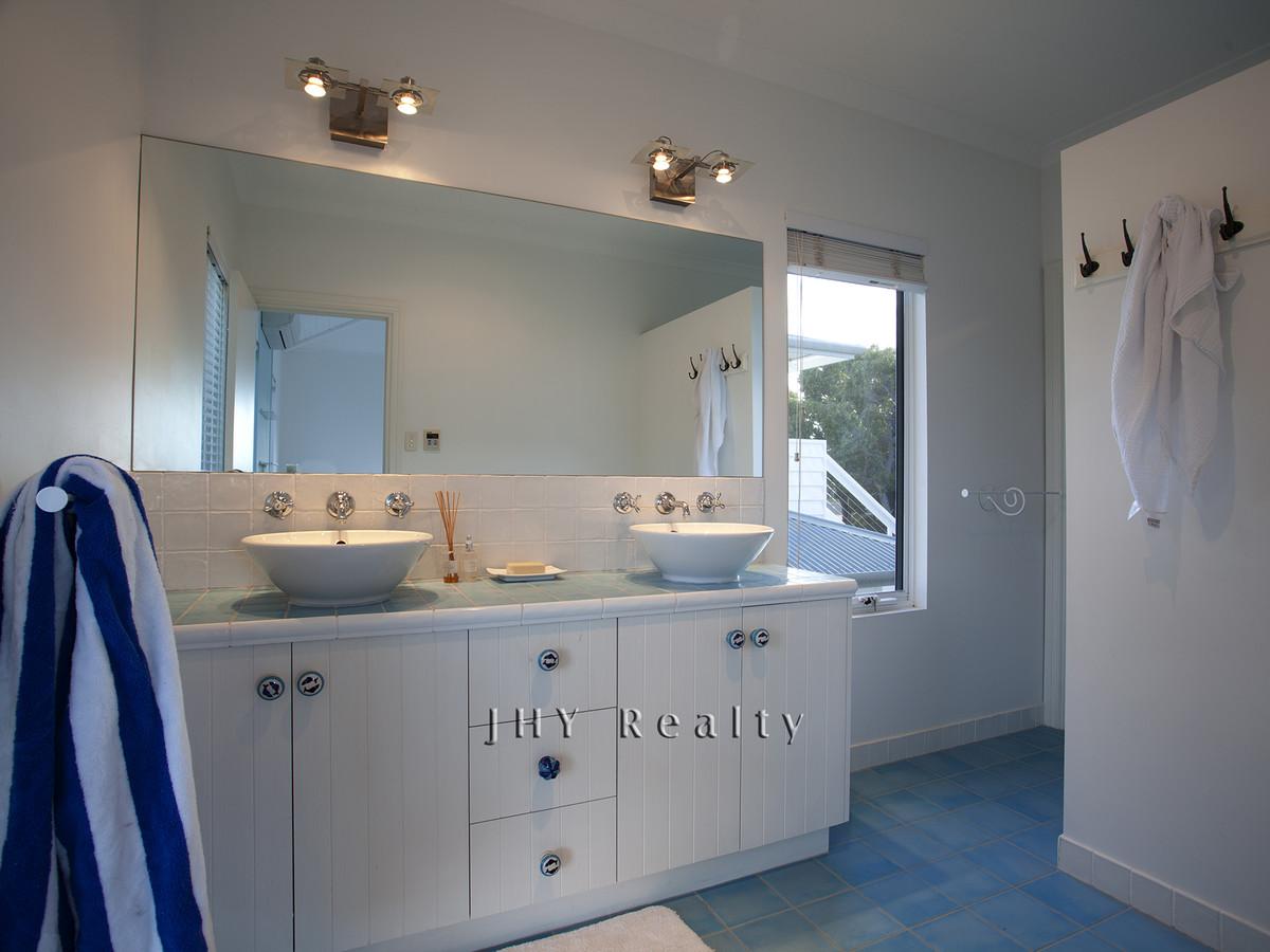 design-estate real estate Eagle Bay 12