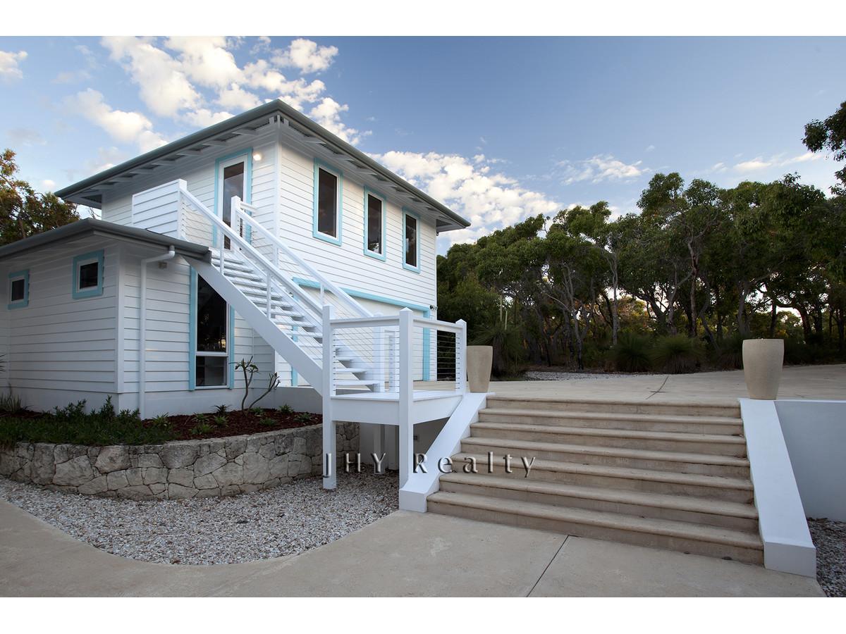 design-estate real estate Eagle Bay 17