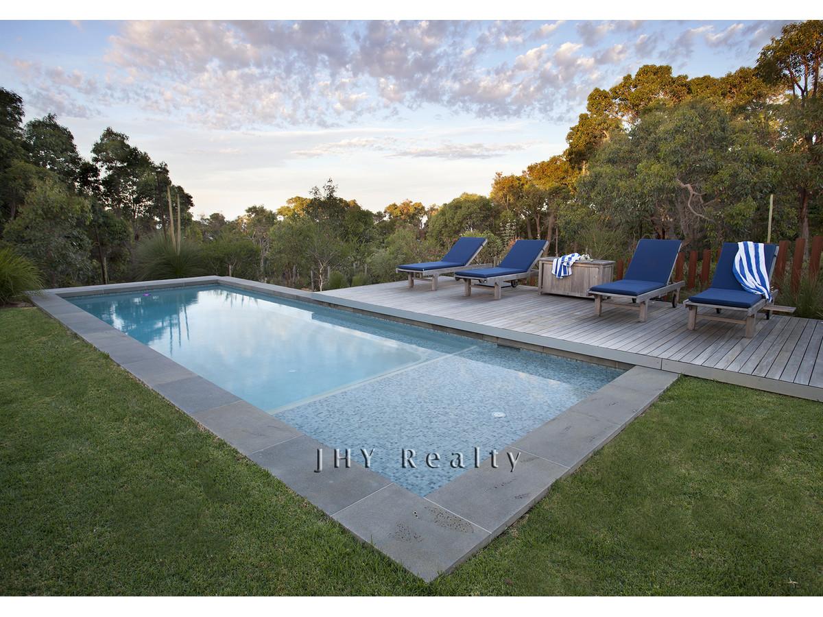 design-estate real estate Eagle Bay 21