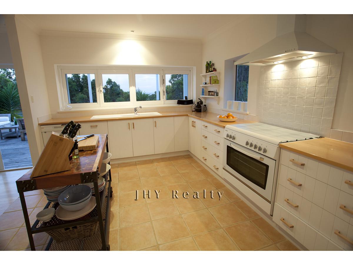 design-estate real estate Eagle Bay 5