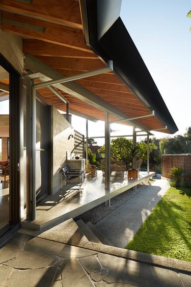 McKenzie St house Architect: Fringe Architects