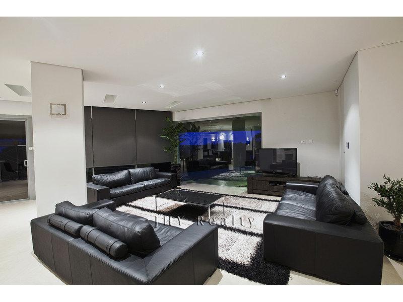 design-estate real estate Eagle Bay 6