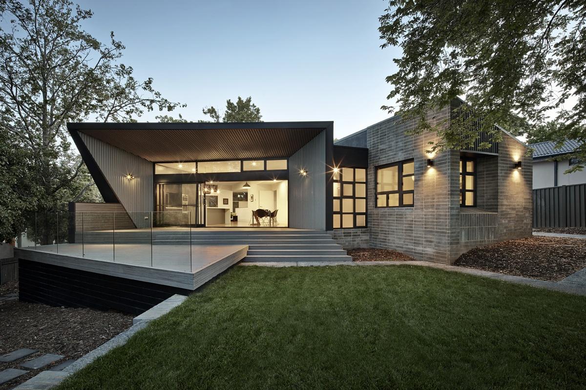 Narrabundah House by Adam Dettrick Architects. Image. UA Creative